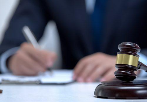 El grado jurisdiccional de consulta y la compra de sentencias