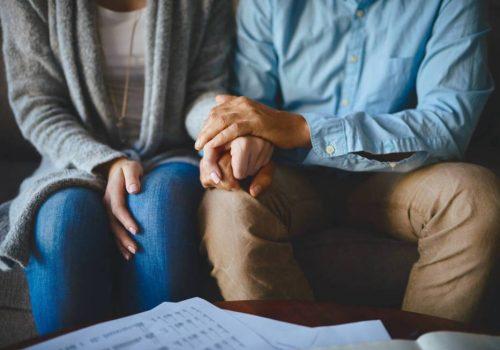 ¿Cómo funciona la compra de sentencias cuando el apoderado o uno de los beneficiarios fallece?